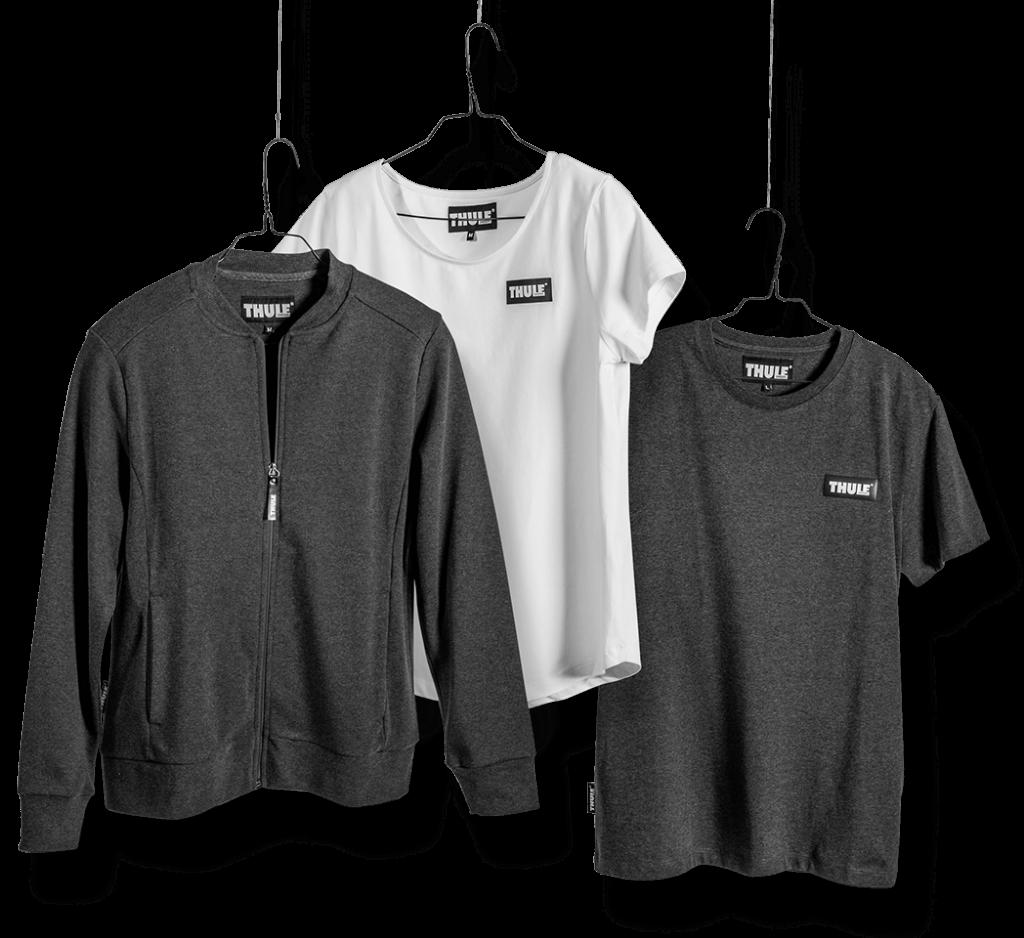 Kleidung für das Thule Team. Grauer Pulli und weißes Shirt